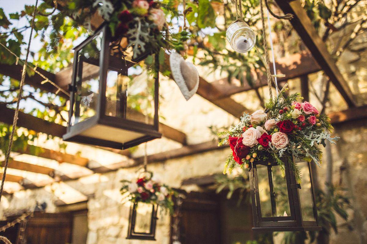 hanging lanterns and roses
