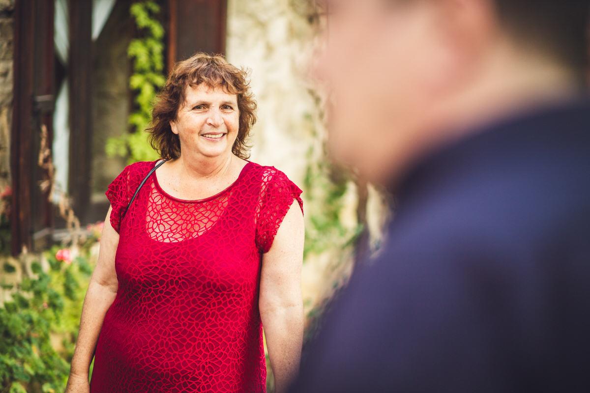 mum red dress