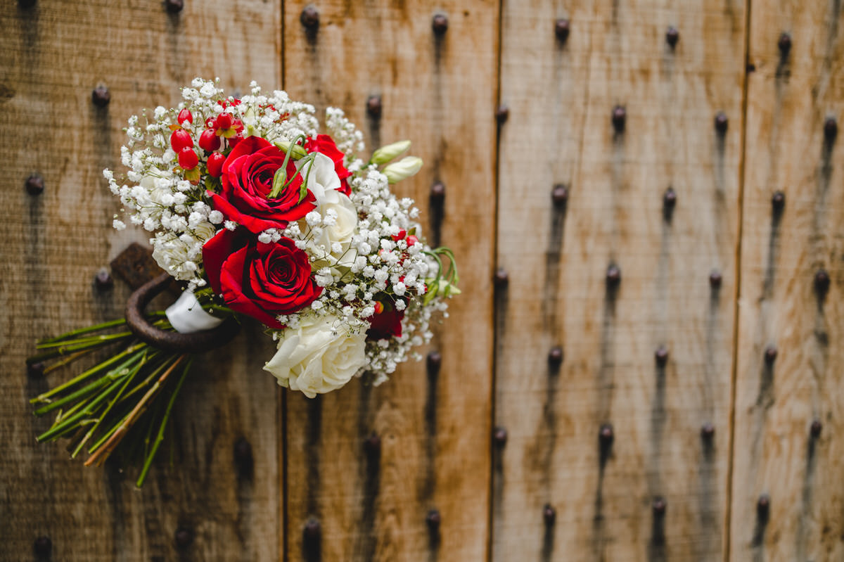 red roses and cream roses - a classic combination
