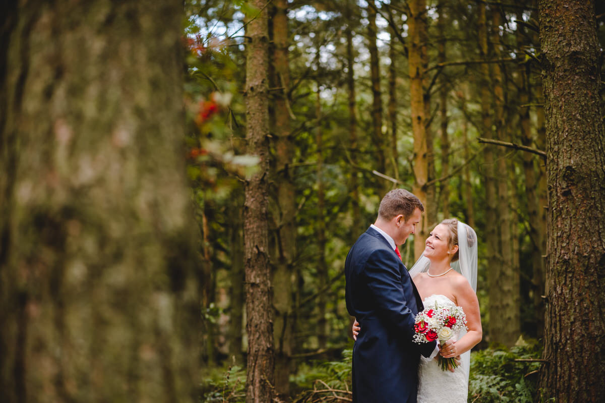 love in the woods, bride and groom