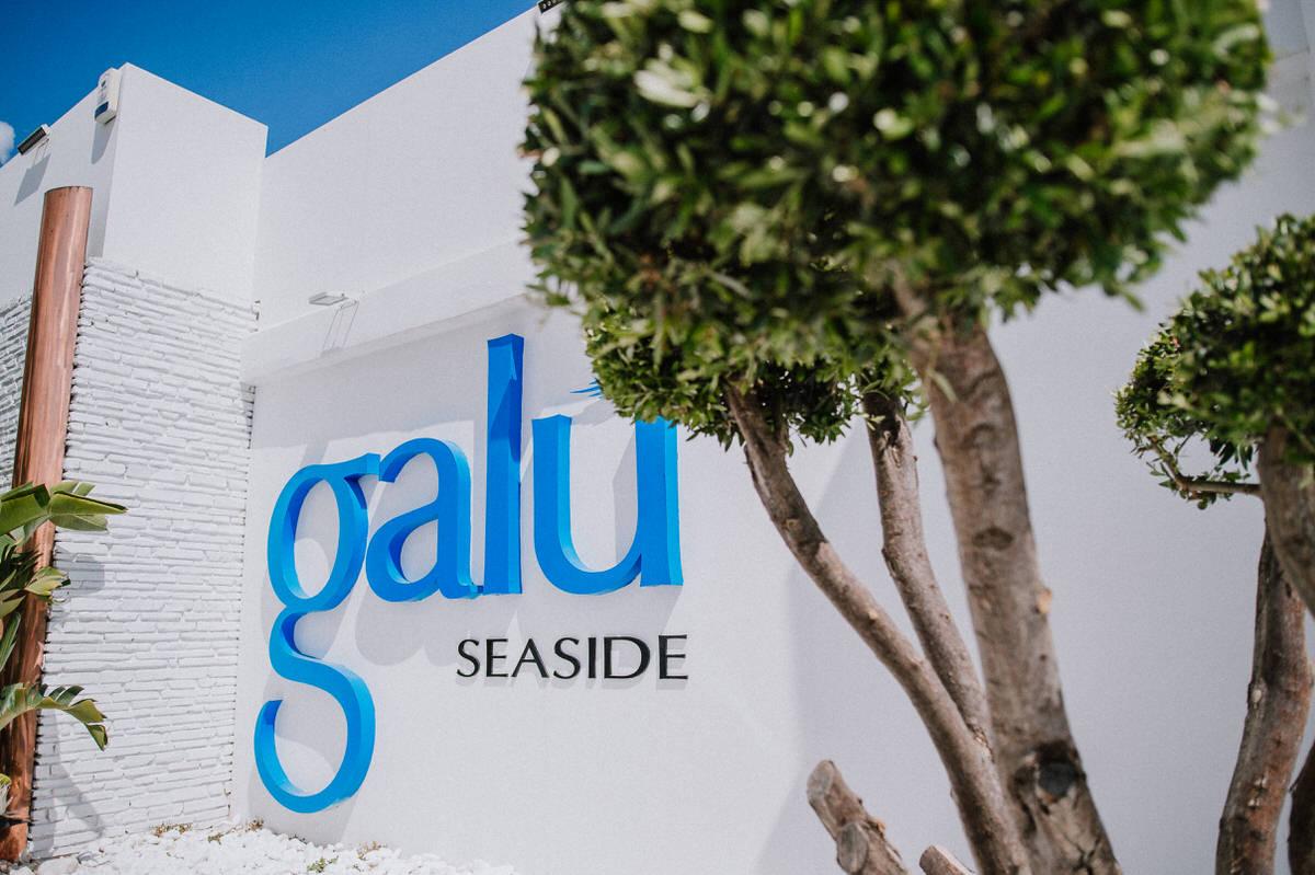 Louise and Mike - Galu Seaside, Cyprus 19