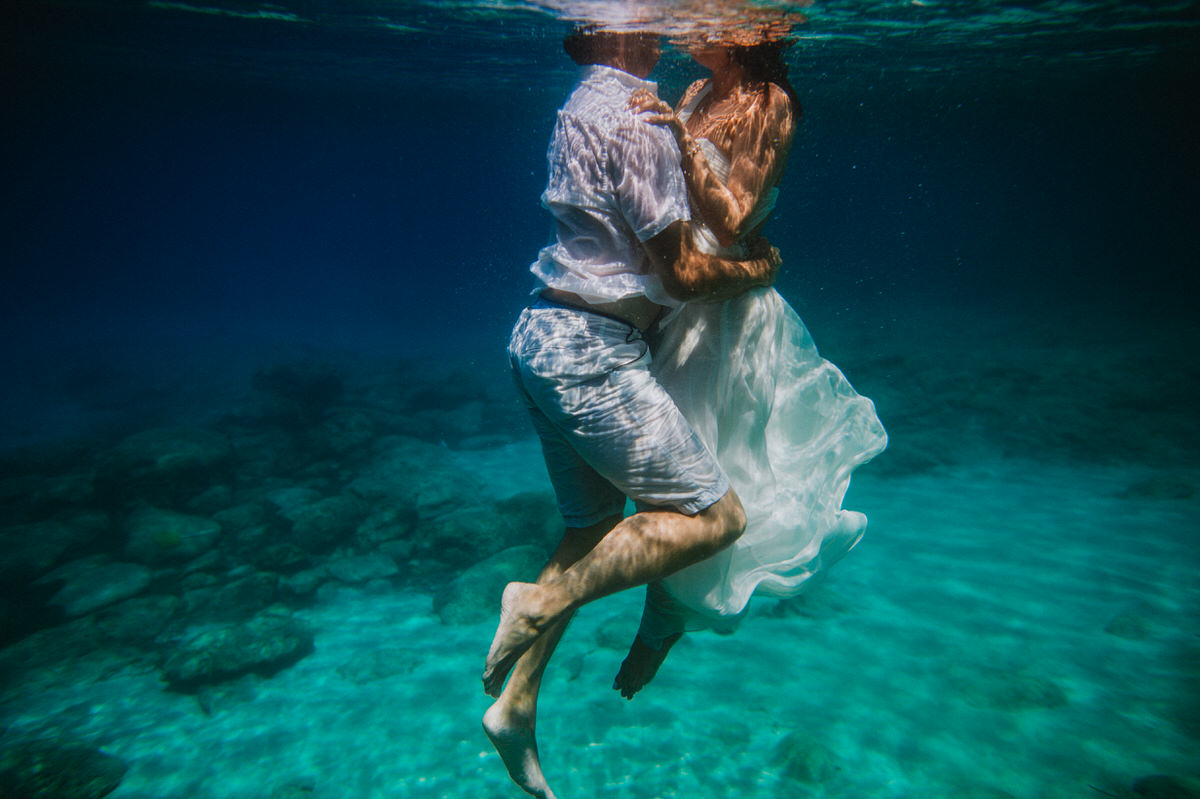 underwater trash the dress beziique destination wedding photographer cyprus0094 - Beziique Destination Wedding Photographers - Best Of Two Thousand Seventeen